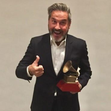 Ricardo Montaner Dedica Premio Grammy a Dios y a Venezuela